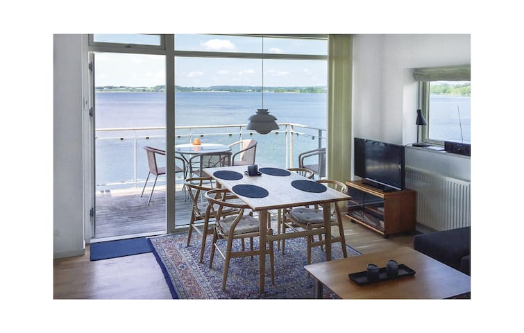 Holiday apartment with 2 bedrooms on 53 m² F04060