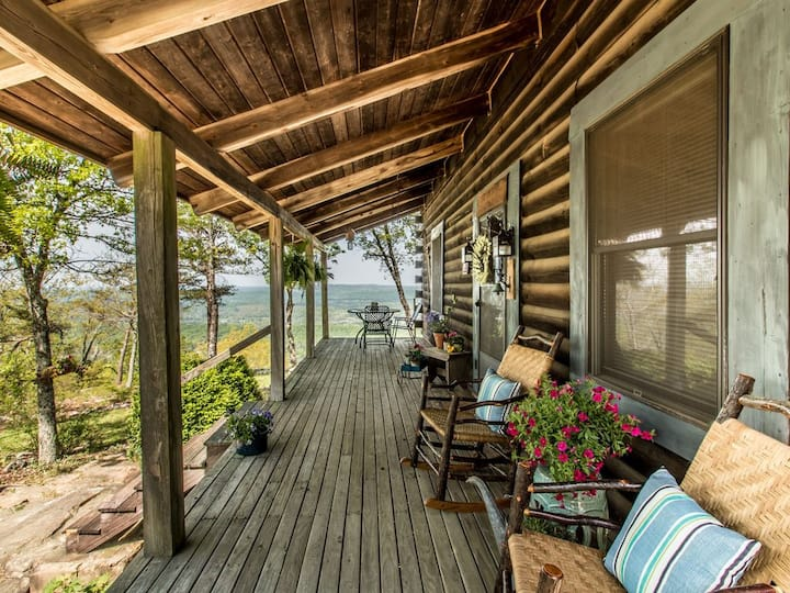 Eagles Perch - Mentone's #1 Vacation Rental! Stunning views, beautifully appointed home, wildlife, wide front porch for outdoor enjoyment!
