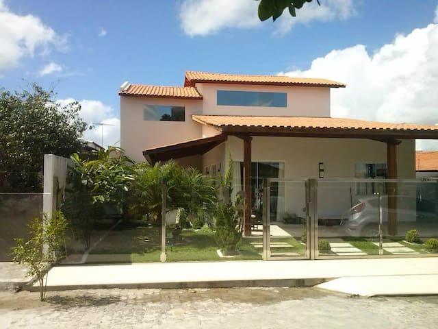 Casa confortável em Santo Antônio de Jesus/BA