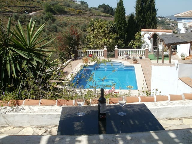 Stunning Spanish holiday villa with heated pool
