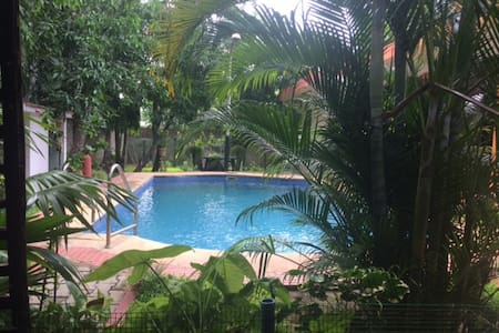 Tucked away bungalow with a pool. Family Friendly - Chennai