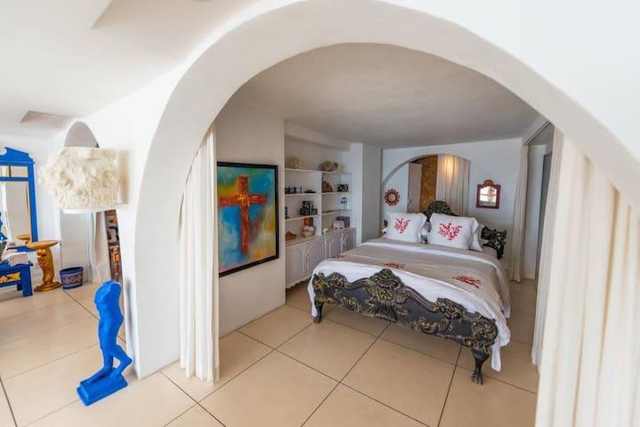 Morabito Art Cliff CAPRI Loft Bedroom 2