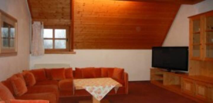 Hotel Barbara*** mit Ferienwohnungen***** (Warmensteinach), Zweiraumferienwohnung mit zwei Balkonen