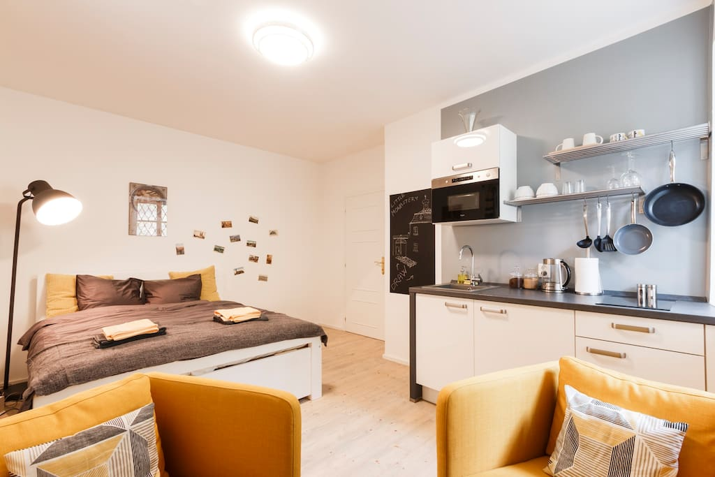 Studio with fully-equipped kitchen