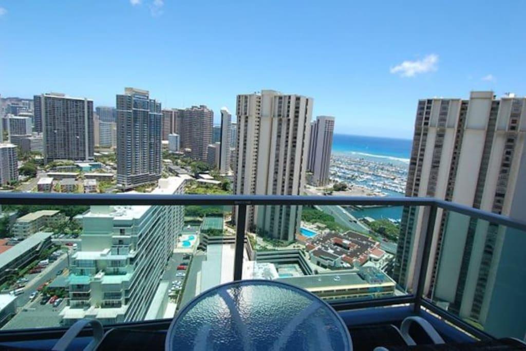 34th Floor Ocean View Ala Moana Hotel Near Waikiki