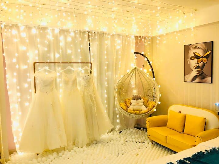 婚纱海洋球,罗斯福楼上,INS风,落地窗,巨幕投影,少女心,可做饭,情侣约会