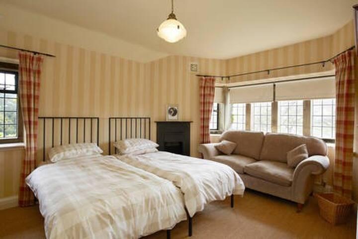 Twin Room Penistone/Thurlstone