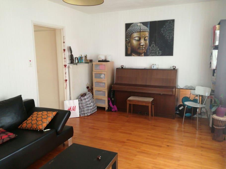 Chambre au calme dans petite maison houses for rent in - Chambre universitaire clermont ferrand ...