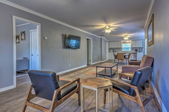 NEW! Cozy Pensacola Duplex, 3.5 Mi to Beach & Park