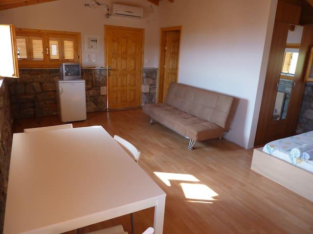 Suite - Stoupa - Apartamento