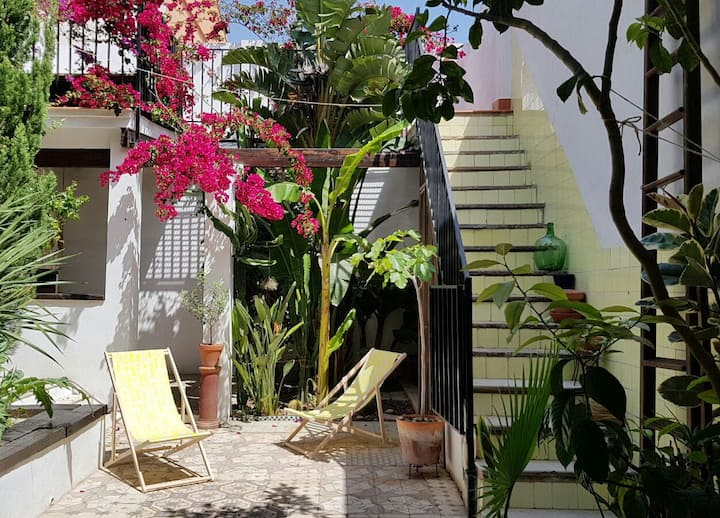 CASA VALENCIANA - GREAT PATIO - CLOSE TO BEACH