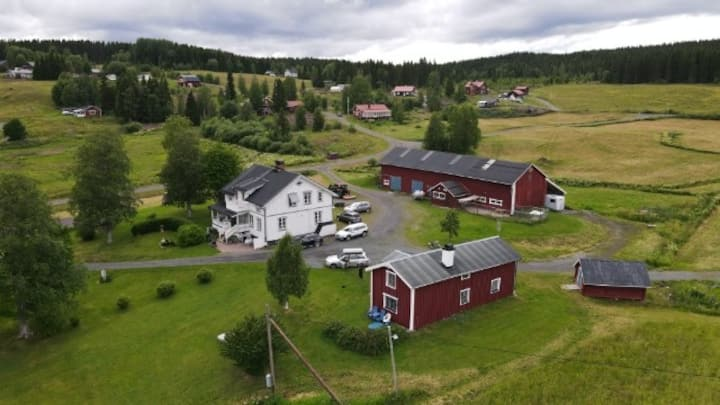 Fin gårdsstuga Laxsjö/Hotagströmmen