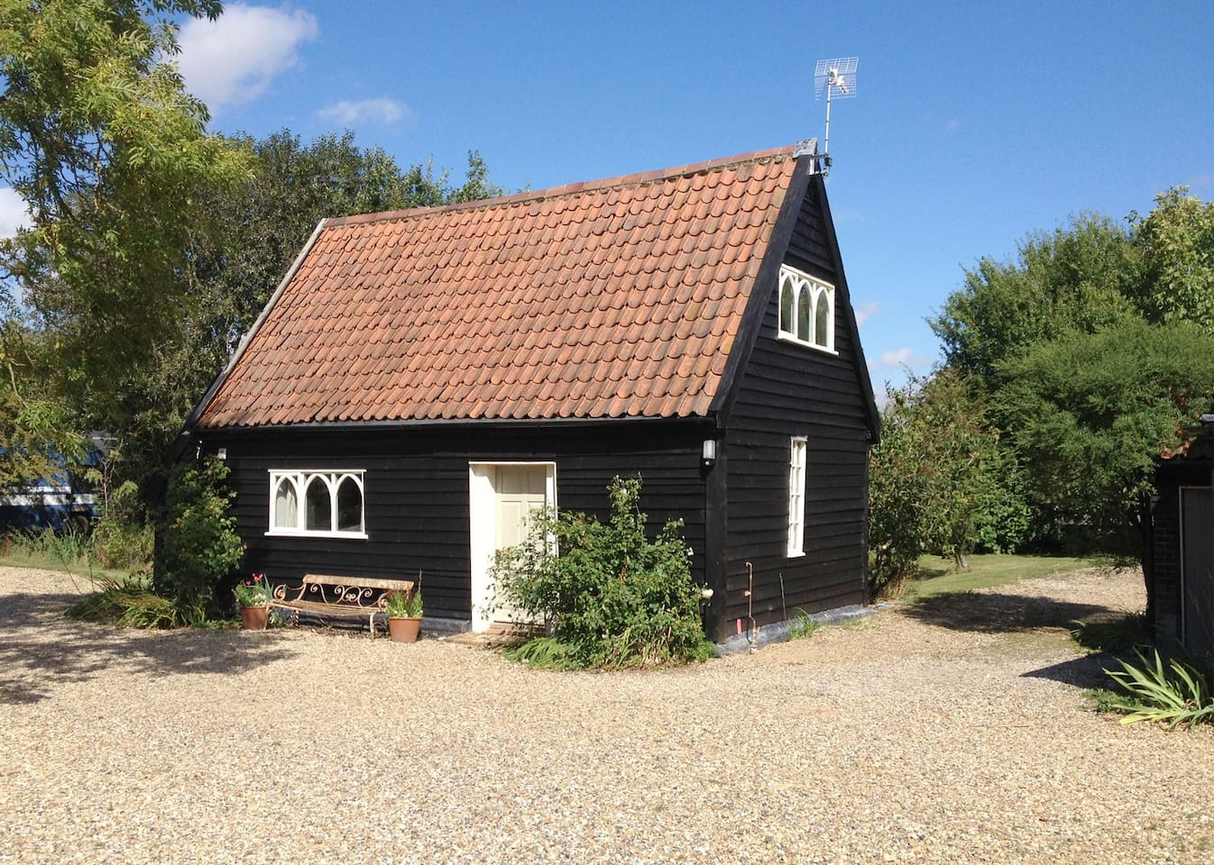 Hedgerow Barn is a Grade II listed barn in the heart of rural Suffolk.