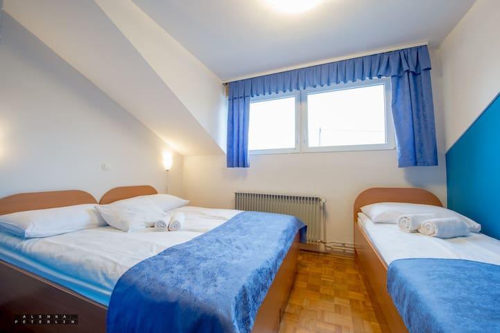 Guesthouse Kolesar - Triple Room with Breakfast