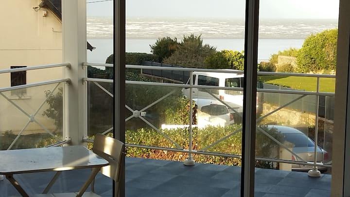 Saint pair Grand studio + balcon sur mer