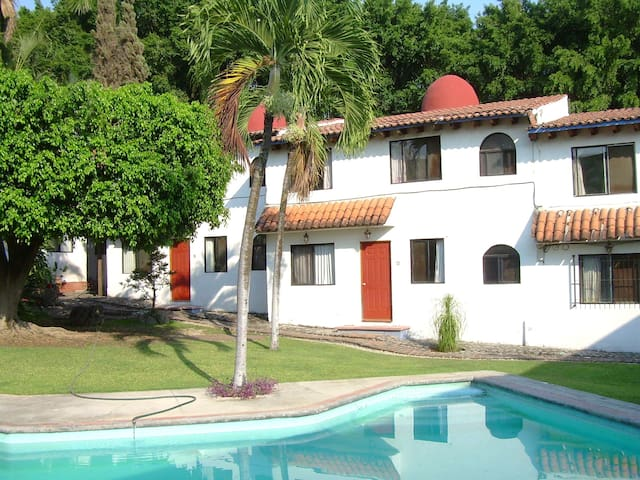 Conjunto Bugambilias  Casa #4 - Tres de Mayo - Casa