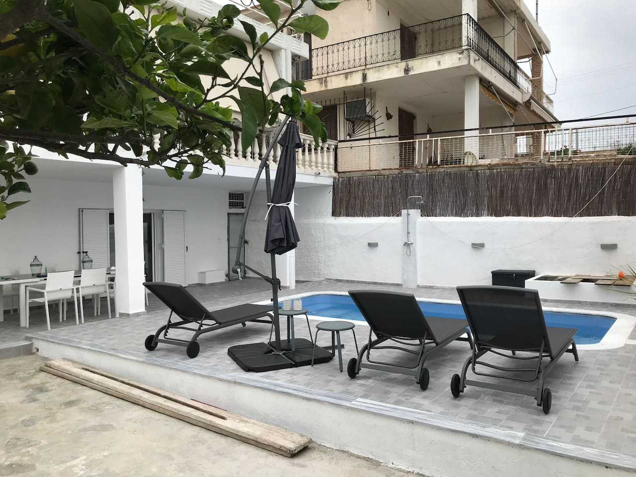 Brand new - high end look and feel. Private use swimming pool. King size beds. Everything you need to relax, enjoy and recharge. By the beach, restaurants, groceries, entertainment.
