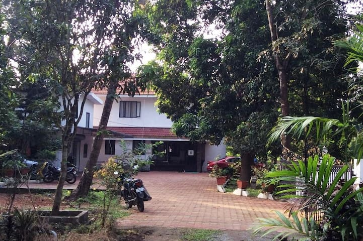 AYUR PADMA SUBRAM-AYURVEDIC RESORT- HOME AWAY HOME