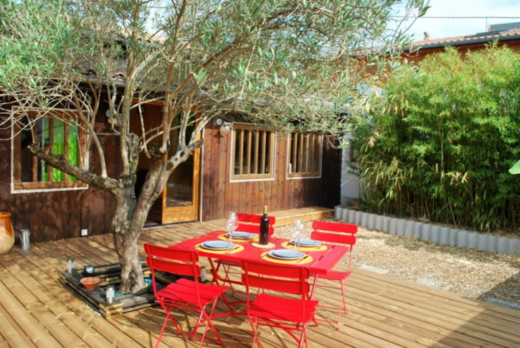 Une cabane en ville jardin proche centre ville maisons for Une chambre en ville bordeaux