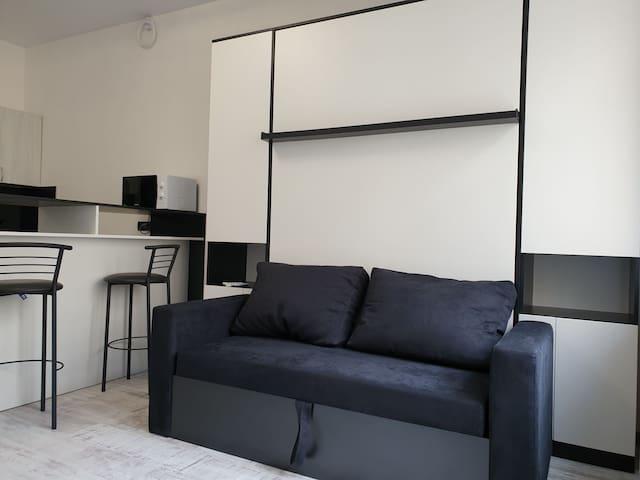 A cozy smart studio next to the city centre