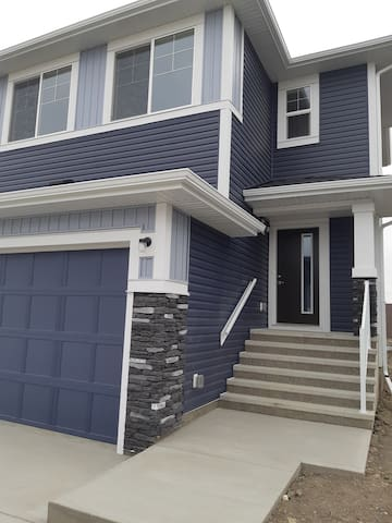 Brand new house. Close to highways, YYC