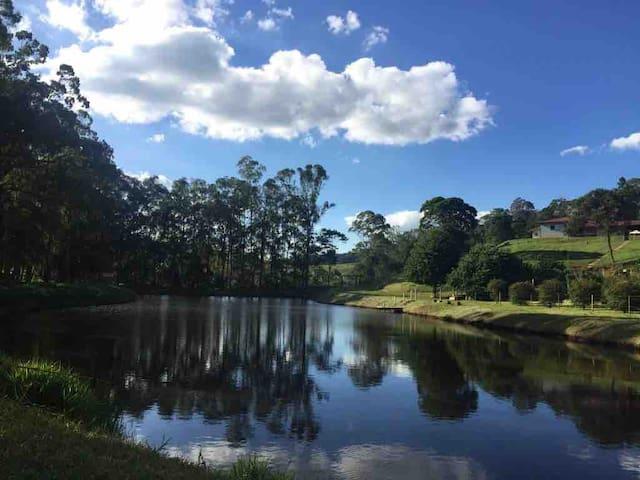 Conforto e tranquilidade em meio à natureza