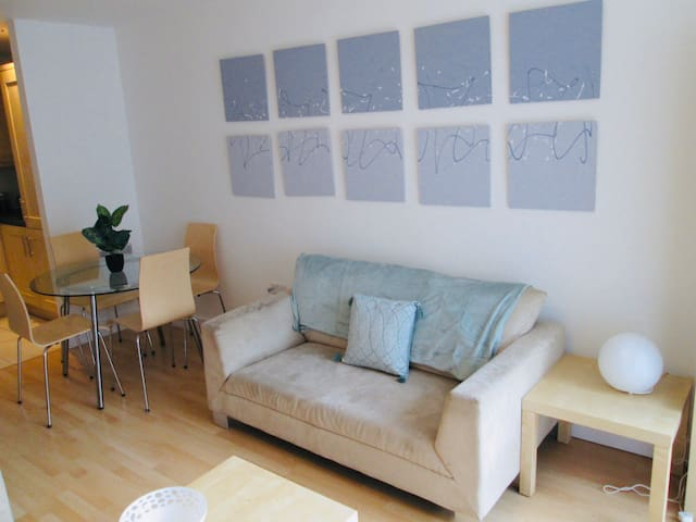 City centre 2 bed apt sleeps 6 close to Baltic mkt
