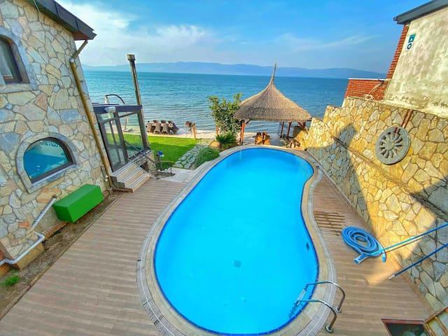 Villa Atroa - Small Villa