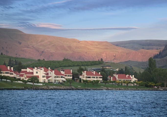 Lake Chelan Shores, WA, 1 Bedroom S #1