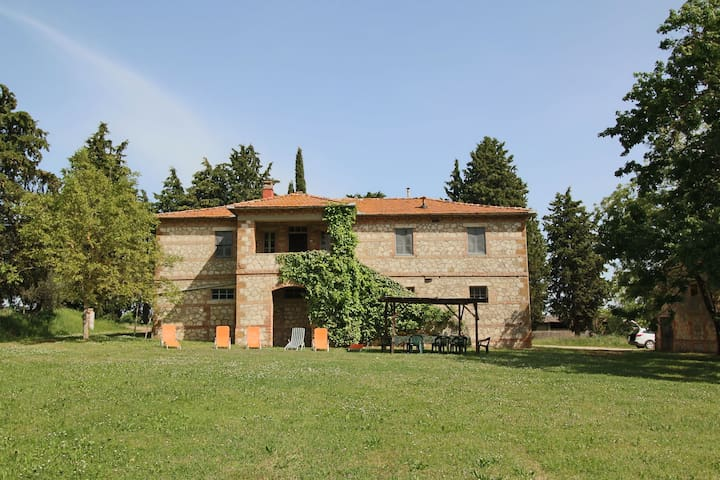 Rustic house on the estate with a castle, swimming pool, garden, private terrace