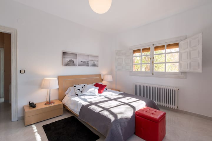 Zen Room Sierra Nevada - La Zubia - Bed & Breakfast