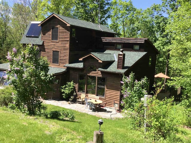 Beautiful Home In Ithaca, Near Cornell & IC
