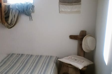 🌼【CUTE】Unique Colorful Apartment@Sitia Center*A/C
