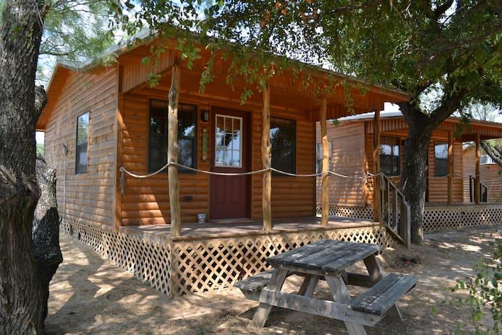 Cottage # 03 - Lazy Daisy - Santo - Houten huisje