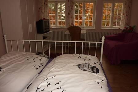 Villa Steinberg über den Seen - Bed & Breakfast