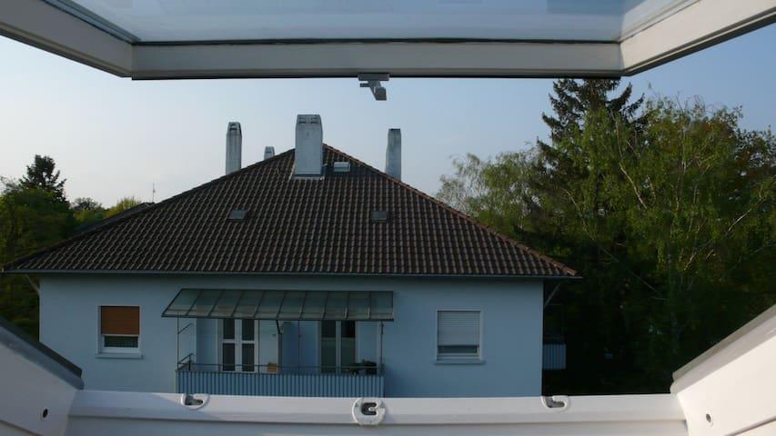 uninahe 50er Jahre Mansarde - Karlsruhe - Pis