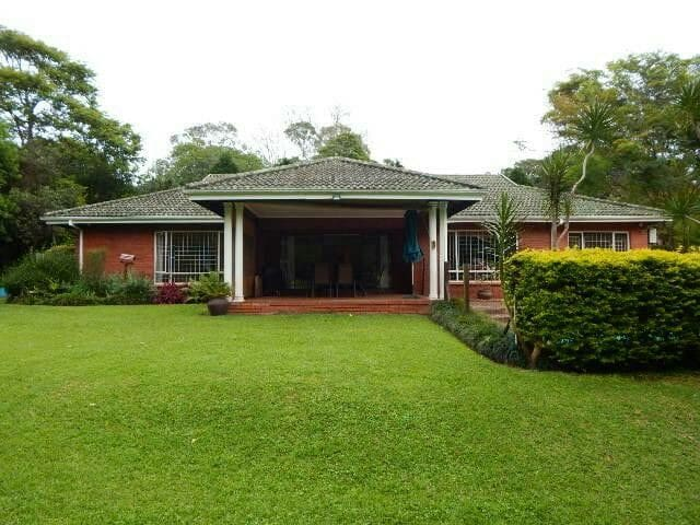 Beautiful large home with pool - Kloof - Rumah