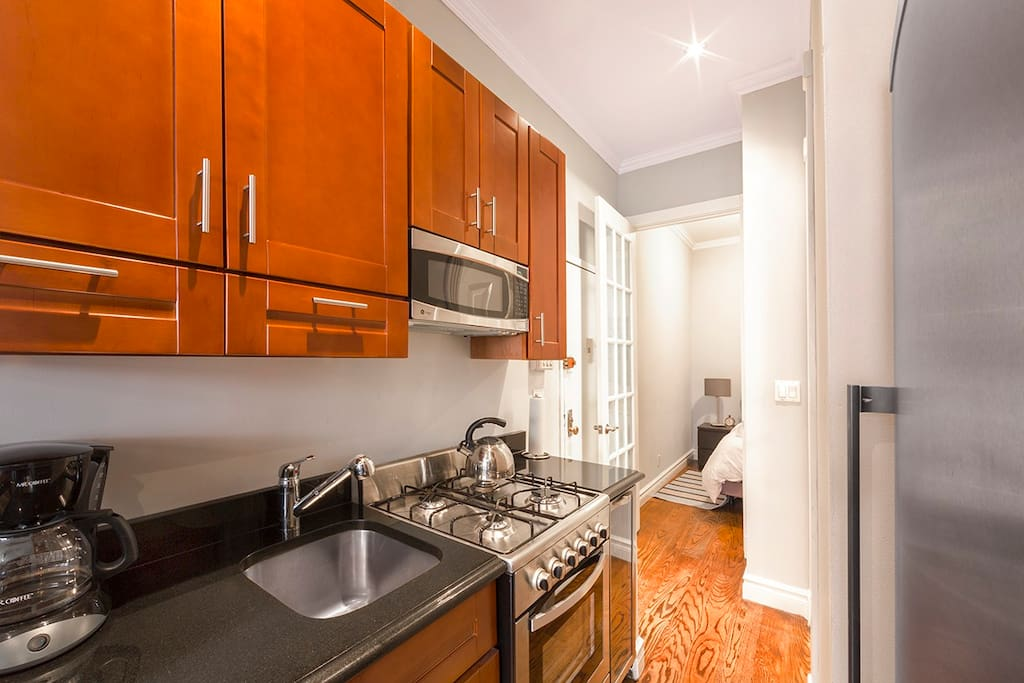 Kitchen is great for guests who love to cook!