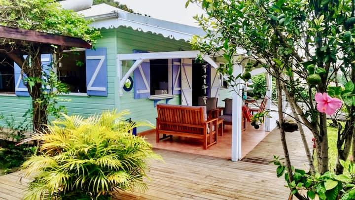Maison créole colorée avec vue sur mer 2ch /4pers
