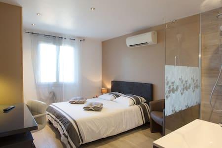 Chambre chez l' habitant Cote d' Azur - La Garde - Villa