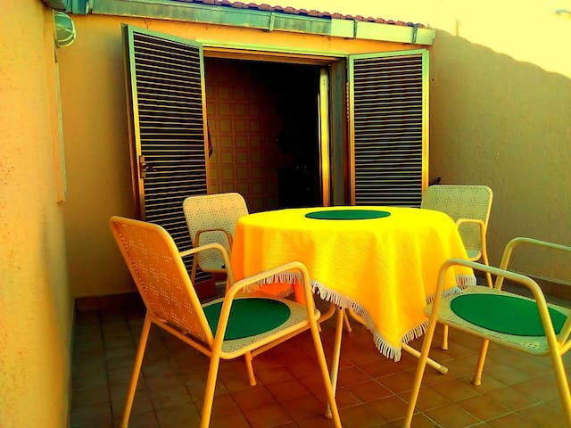 Аttic with terrace,10 minutes walk to the beach.2
