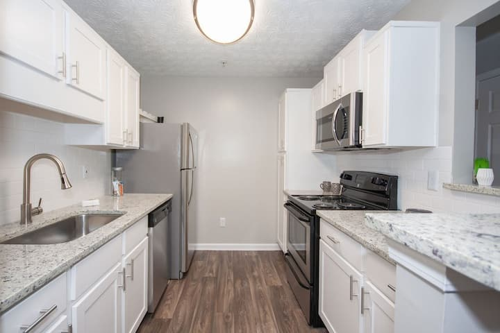 Live + Work + Stay + Easy | 2BR in Smyrna