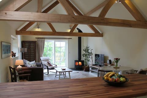 Country Retreat, The Old Cowshed - Sussex