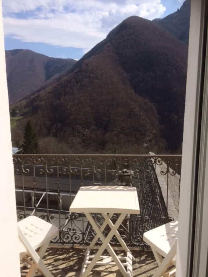 Casa Gialla - Russo - Valle Onsernone