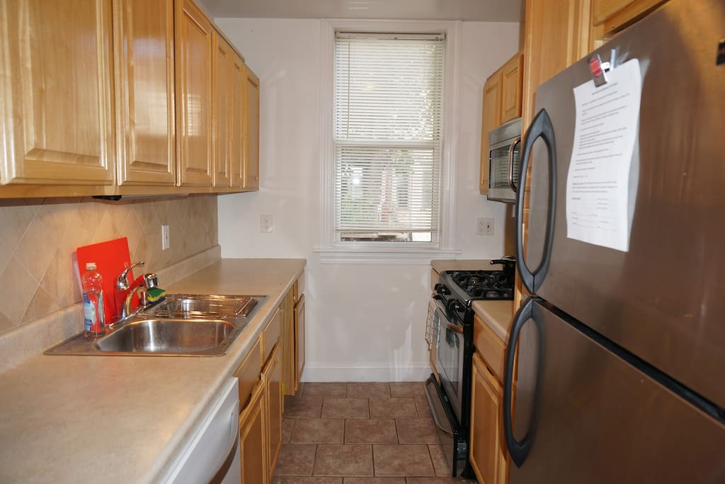 Fully Furnished 3 Bedroom Apartment In Ridgewood Apartments For Rent In Queens New York