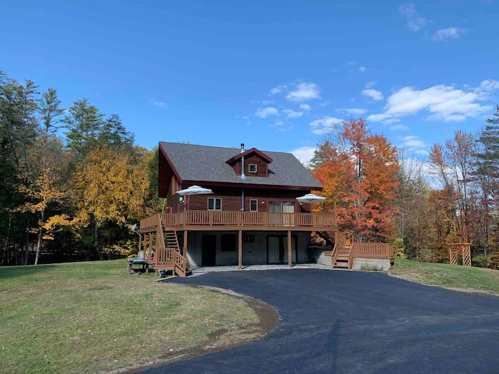 Private Adirondack Chalet Game Room and Bar/Lounge