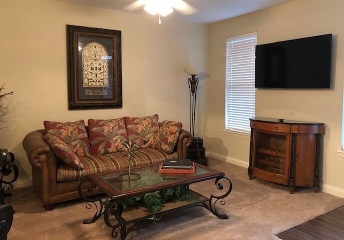 Cozy Apartment In The Heart Of Bowling Green