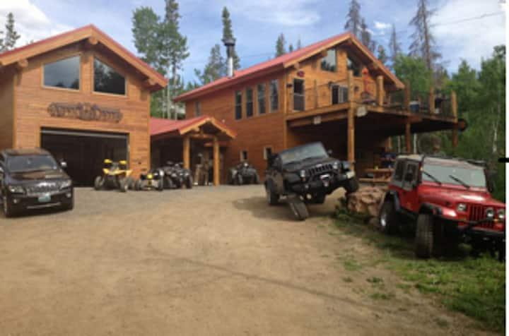 Bears Den at Aspen Creek Cabin