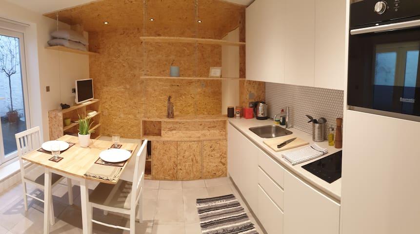 Superb modern studio in the heart of Knightsbridge