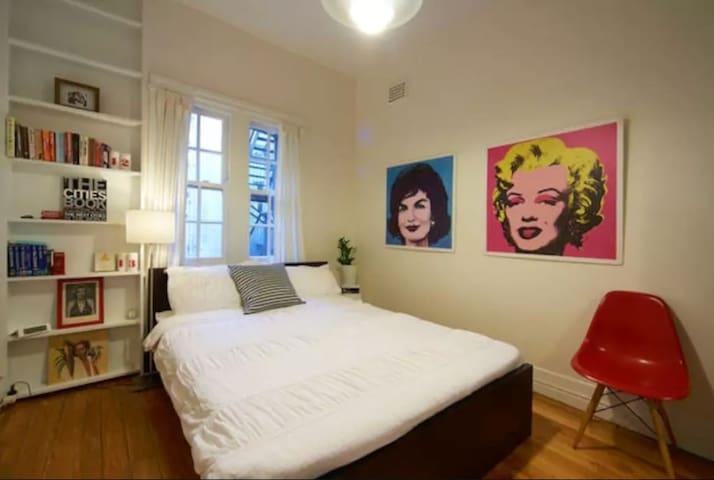 Beautiful private room in excellent location - Elizabeth Bay - Apartamento